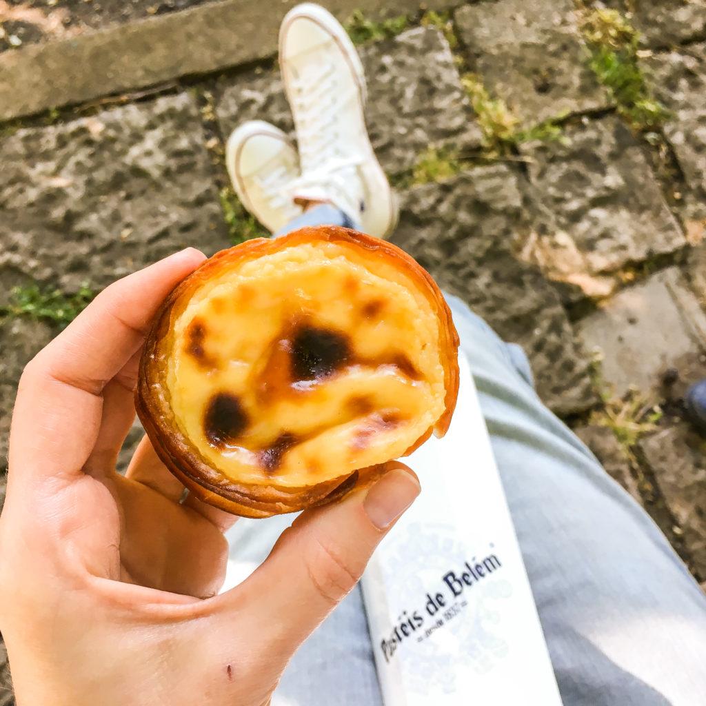 Co zjeść w Lizbonie? Tylko oryginalne babeczki Pasteis de Belem!
